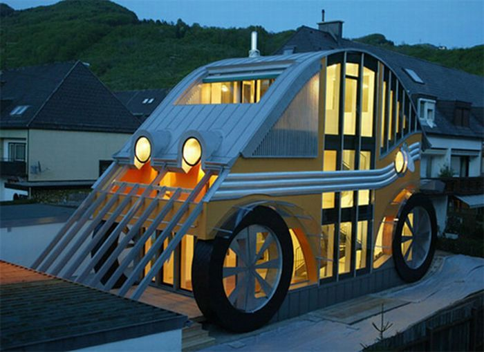 voglereiter auto residence 01 Welcome To The World's Craziest Living Spaces