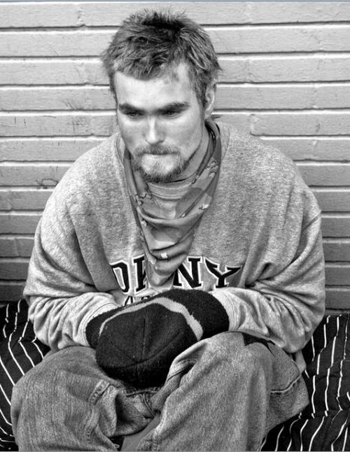 http://us.acidcow.com/pics/20100803/homeless_in_america_67.jpg