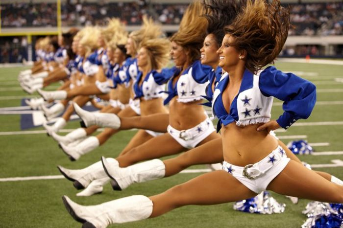 http://us.acidcow.com/pics/20101130/dallas_cowboys_05.jpg