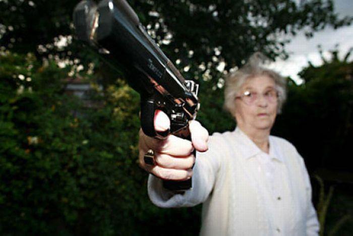 http://us.acidcow.com/pics/20110216/grannies_08.jpg