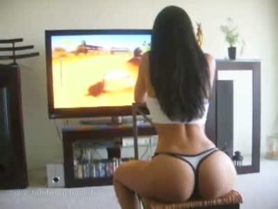 mujeres que le gusta jugar mas que hombres Sexy_gamer_girl